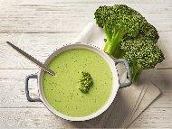 Рецепта Крем супа от картофи, броколи и пащърнак с тахан